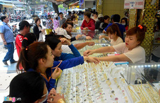 Nhiều người không kịp bán vàng lỡ ôm từ cơn sốt 2011