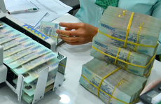 Lãi suất tiền gửi ở một số ngân hàng bắt đầu giảm