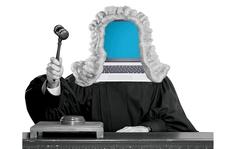 Robot 'lấn sân' luật sư