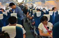 Dừng bán hàng miễn thuế trên máy bay