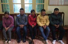 Tạm giữ 5 nghi phạm 'xin đểu' người vi phạm giao thông