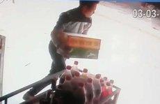 Táo tợn xông vào quán cướp bia giữa ban ngày