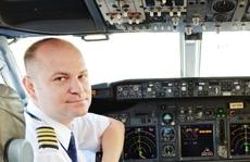Say xỉn đến bất tỉnh trong buồng lái, phi công lãnh án tù