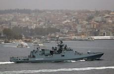 Bị IS đe dọa, tàu hải quân Nga được hộ tống