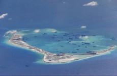 Tàu chiến Mỹ áp sát đảo nhân tạo của Trung Quốc