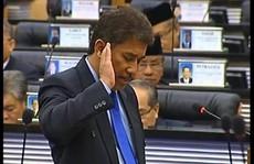 Lỡ lời về 'sex', nghị sĩ Malaysia bị ném đá
