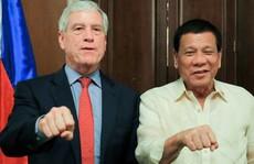 Trùm tình báo Úc 'khổ' vì nắm đấm cạnh tổng thống Philippines