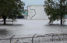 Mỹ: Nhà máy hóa chất bị nổ trong bão Harvey