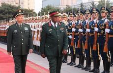 Trước 'đảo chính' vài ngày, tư lệnh Zimbabwe thăm Trung Quốc