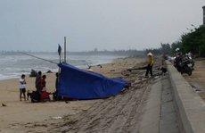Sóng đánh lật úp thuyền, một ngư dân tử vong trên biển