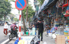 Vỉa hè Hà Nội: Sau 9 tháng 'ra quân' đâu lại vào đấy