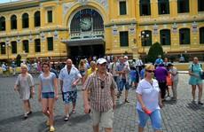 Vì sao du khách quốc tế tăng kỷ lục?