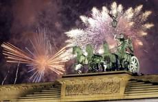 Bất chấp mối đe dọa khủng bố, thế giới tưng bừng đón năm mới