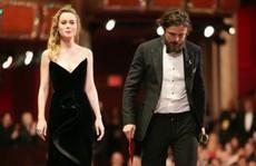 Vì sao Brie Larson lạnh lùng với Casey Affleck tại Oscar 89?