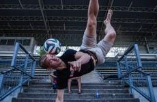 Phấn khích với màn tâng bóng của nhà vô địch thế giới tại Hà Nội