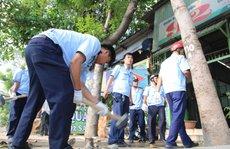 Dân vỗ tay khi thấy lãnh đạo quận Bình Tân 'đòi' vỉa hè