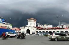 Mưa lớn trái mùa tại TP HCM: Hiện tượng bất thường