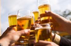 Thảm kịch vì ly bia rơi không trúng địa chỉ!