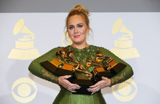 Adele đánh bại Beyonce tại Grammy lần thứ 59