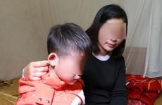 Thêm vụ tố bố đẻ bạo hành con trai bằng dây điện và dao