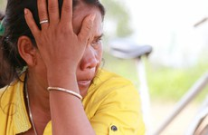 Khóc nghẹn sau cơn cuồng phong ập đến xã nghèo