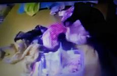 Mẹ chết lặng thấy con gái 2 tháng tuổi bị người giúp việc 'tra tấn'