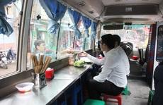 Phạt quán bún chả trên xe khách: Có đúng luật?