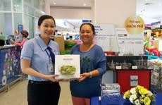 Quà sang miễn phí của siêu thị Co.opmart hút khách
