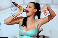 Katy Perry lập kỷ lục thu hút người theo dõi mạng