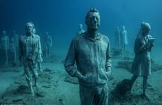 Lặn một hơi xuống bảo tàng dưới nước đầu tiên của châu Âu