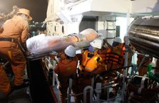 Lặn trong đêm tìm 8 thuyền viên gặp nạn