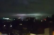 Mảng sáng bí ẩn xuất hiện cùng 'động đất thế kỷ' ở Mexico