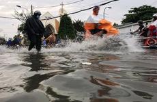 Sài Gòn mưa rả rích nhưng mênh mông nước!