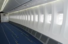Hãng hàng không dỡ hết ghế, cho khách... bay đứng?