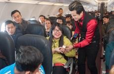 Hành khách bất ngờ được tặng vàng trên máy bay Vietjet