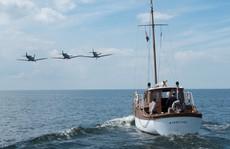 'Cuộc di tản Dunkirk' xứng đáng 'mưa' lời khen