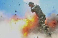 Nhiếp ảnh gia chộp được khoảnh khắc bị vụ nổ cướp mạng