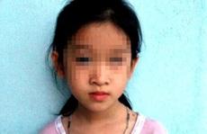 Bé gái bị ném mù mắt ở trường được bồi thường 105 triệu đồng