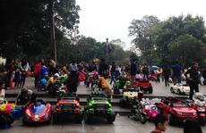 Ô tô điện, xe điện 'vây' tượng đài Lý Thái Tổ