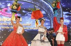 Quán quân Sao Mai khóc nghẹn khi nhận 'mưa' giải thưởng