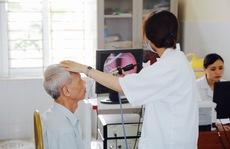 FLC cùng bệnh viện Hà Thành thăm khám và tặng quà người có công với cách mạng