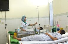 Đến Đà Nẵng tham quan, 46 du khách Lào nhập viện vì ngộ độc
