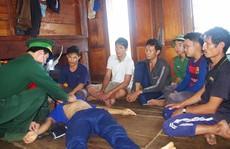 6 ngư dân suýt mất mạng vì tàu cá đâm vào khúc gỗ bị chìm
