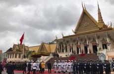 Trang trọng lễ đón Tổng Bí thư tại Hoàng cung Campuchia
