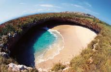 17 bãi biển lạ lùng nhất hành tinh