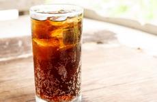 Nguy cơ mắc nhiều bệnh khi uống một lon nước ngọt mỗi ngày