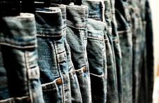 Công chức không được mặc quần jeans: Có nên quá cứng nhắc?