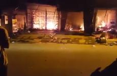 Cháy lớn chợ huyện ngày 'thần tài'