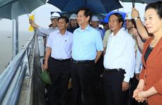 Nguyên Thủ tướng Nguyễn Tấn Dũng thăm các dự án lớn ở Hải Phòng