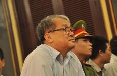 Các bị cáo nguyên lãnh đạo Ngân hàng Xây dựng nghẹn ngào